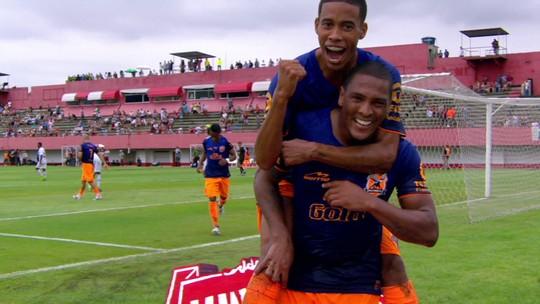Recheado de reservas, Flu perde a primeira no Campeonato Carioca