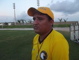 Higor Cesar, treinador do Globo FC (Foto: Ferreira Neto)