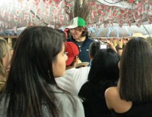Cássio atende fãs em Aparecida (Foto: Divulgação/Santuário Nacional)