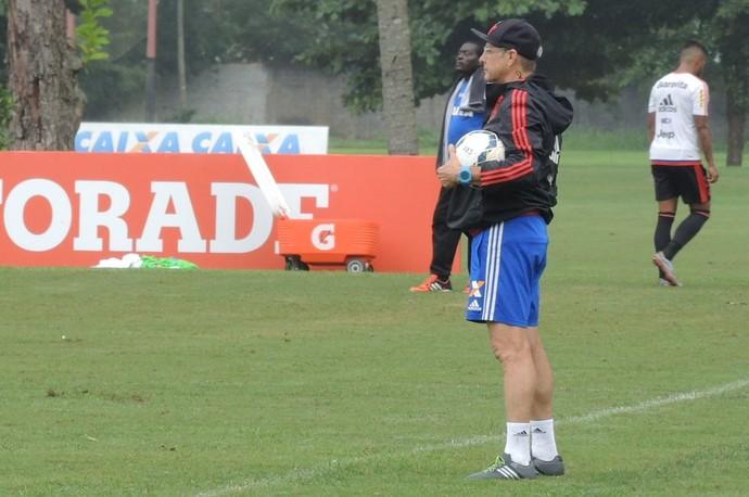 Oswaldo de Oliveira, treino do Flamengo (Foto: Sofia Miranda)