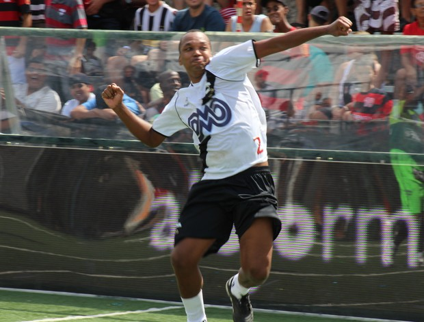 Pimentel comemora gol vasco x américa carioca showbol (Foto: Max Santos/Divulgação)