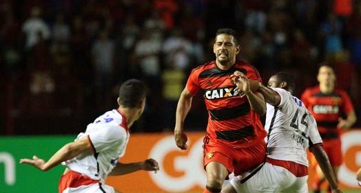 Tempo Real (Marlon Costa / Pernambuco Press)