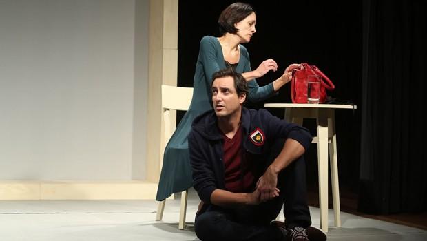 Após estrear na Mostra Oficial do Festival de Curitiba, espetáculo faz curta temporada no Teatro José Maria Santos (Foto: Edu Camargo/UV Studio)