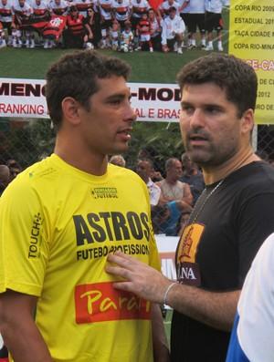 Diego Souza pelada astros (Foto: Thales Soares / Globoesporte.com)
