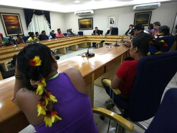 Índios e representantes do governo terão nova reunião no dia 17 de dezembro, em Paragominas, PA. (Foto: Carlos Sodré/ Agência Pará)