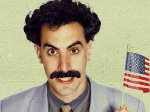 O ator Sacha Baron Cohen em cartaz de 'Borat'