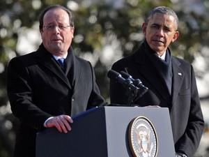 Hollande e Obama são vistos em visita do presidente francês aos EUA nesta terça-feira (11) (Foto: Jim Watson/AFP)