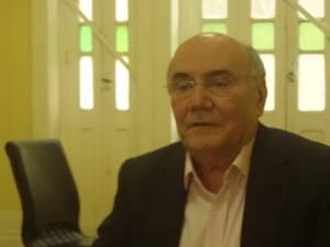 Em coletiva, senador Flexa Ribeiro disse que decisão da justiça foi equivocada (Foto: Ingo Müller/ G1)