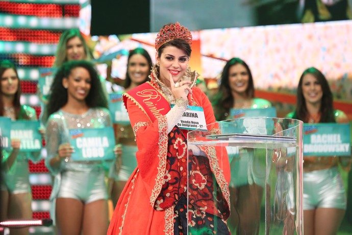Marina Lorenzoni no 'Tem Gente Atrás' (Foto: Carol Caminha/Gshow)