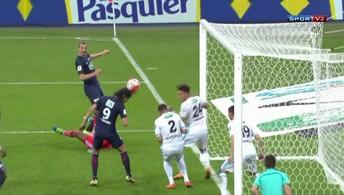 Ibra faz dois gols no Olympique e se despede do PSG com mais um título