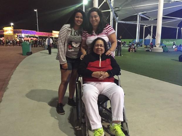 Marlene Mello encontrou dificuldades para entrar no complexo esportivo (Foto: Matheus Rodrigues/ G1)