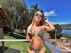 Grávida de sete meses, ex-BBB Leticia posa de biquíni: 'Mal de calor'