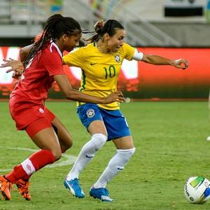 Marta Brasil x Canadá (Foto: Vlademir Alexandre/Allsports)