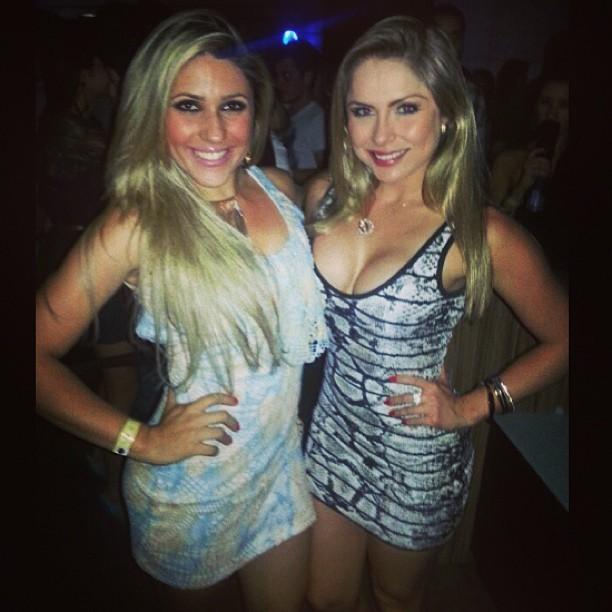 Renatinha (esq) e uma amiga (Foto: Reprodução/Instagram)