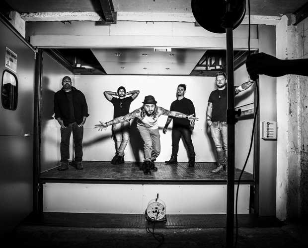 Kim Lírio com a banda (Foto: Jean Pierre Kruze)