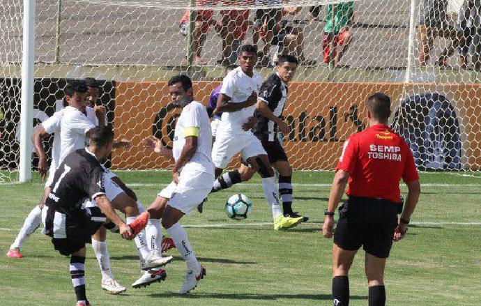 Ceilândia e ABC fizeram duelo agitado no DF, que terminou em 1 a 1 e vaga para os visitantes (Foto: Divulgação / ceilandiaec.com.br)
