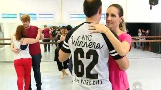 Desafio dos 30 dias: casais se emocionam ao ritmo do tango