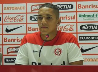 Gilberto Inter lateral (Foto: Paula Menezes/GloboEsporte.com)