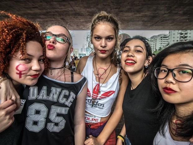 Mulheres e ativistas fazem protesto marcando o Dia Internacional da Mulher na Avenida Paulista, em São Paulo (Foto: Cris Faga/Fox Press Photo/Estadão Conteúdo)