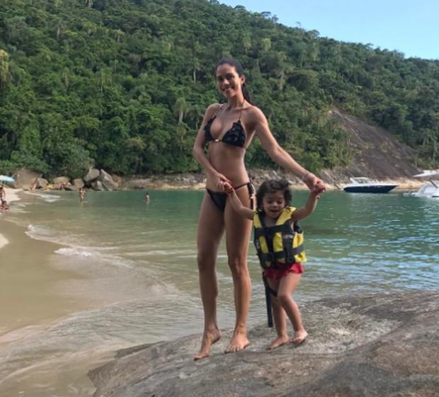 Dani Albuquerque e a filha Antonella (Foto: Reprodução/Instagram)