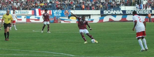 Zambi foi um dos destaques do Caxias na partida (Foto: Rafael Tomé/S.E.R Caxias)