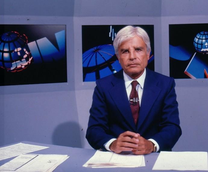Cid Moreira era o âncora do 'Jornal Nacional' (Foto: CEDOC/TV Globo)