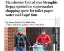 Atacante do Manchester United é clicado fazendo compras e ironiza na internet