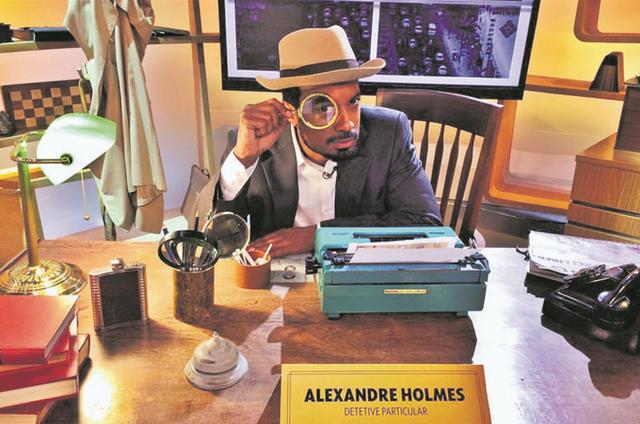 Alexandre Henderson grava o programa 'Como será?' (Foto: Divulgação)