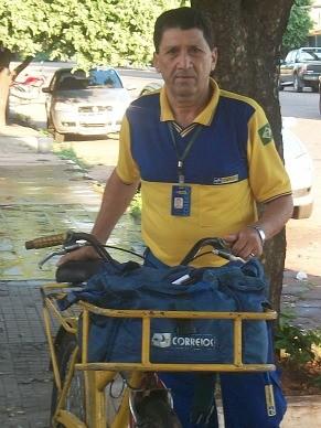 Abilio Machado, carteiro há 44 anos em Aquidauana (MS) (Foto: Edilso Lemos)