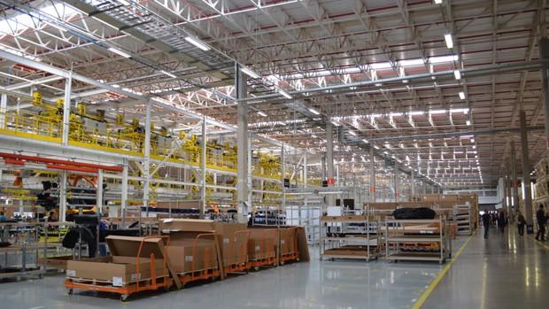 Fábrica da Mercedes-Benz é inaugurada em Iracemápolis, SP, e vai produzir modelos Classe C e SUV GLA; FOTOS