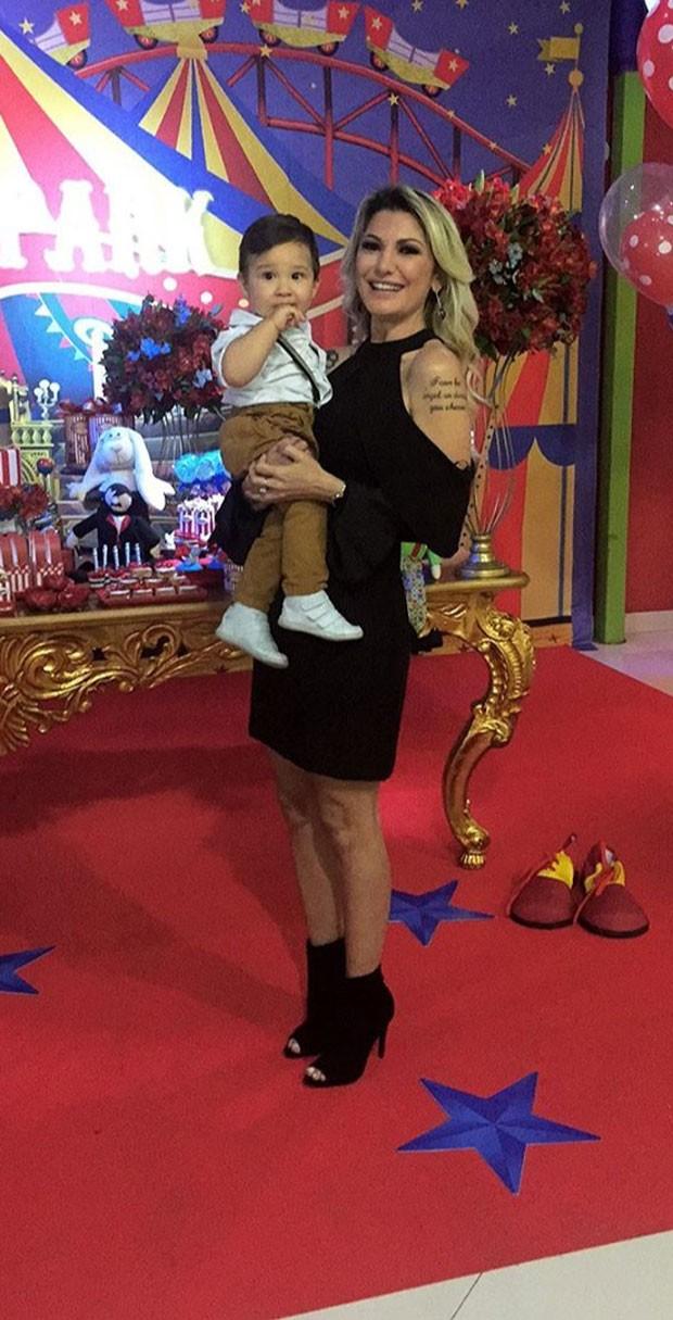 Antônia com Salvatore (Foto: Reprodução Instagram)