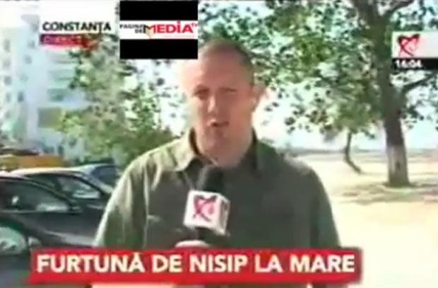 Repórter virou motivo de chacota na Romênia. (Foto: Reprodução)