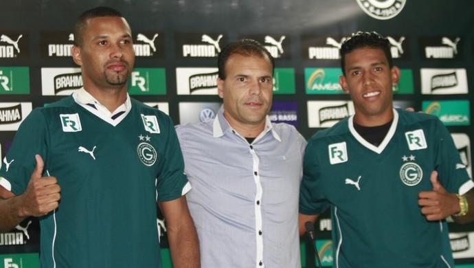 Júnior Lopes e Bocão, reforços do Goiás (Foto: Rosiron Rodrigues/Goiás E.C.)