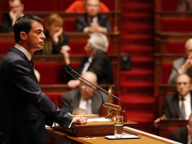"""Primeiro-ministro francês, Manuel Valls, advertiu nesta quinta-feira (19) para o risco de um atentado com """"armas químicas ou bacteriológicas"""" (Foto: Francois Guillot / AFP)"""