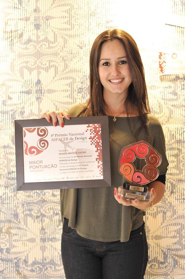 1º lugar – Denizia Mateus Satiro – Cerâmica Ceusa