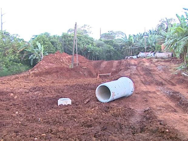 Obras foram interrompidas por imprevistos no projeto, segundo a Saecil (Foto: Paulo Chiari/EPTV)