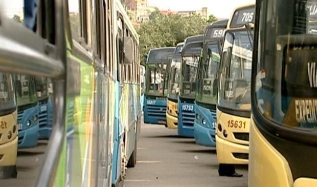 Protesto de motoristas afetou 70 ônibus e 22 linhas. (Foto: Reprodução/TV Gazeta)