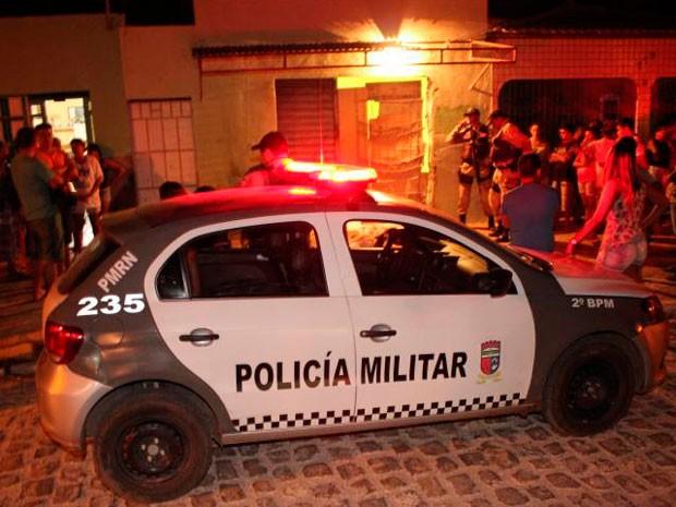 Crime aconteceu no bairro Santo Antônio, em Mossoró (Foto: Marcelino Neto)