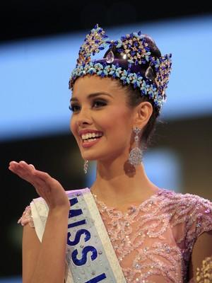 Megan Young foi coroada neste sábado (28) a Miss Mundo 2013. Cerimônia foi realizada em Bali, na Indonésia (Foto: AP Photo/Firdia Lisnawati)