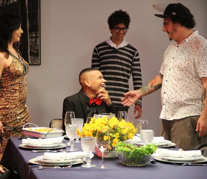 MC Duduzinho se diverte durante a gravação do clipe de Chiclete (Foto: Divulgação)