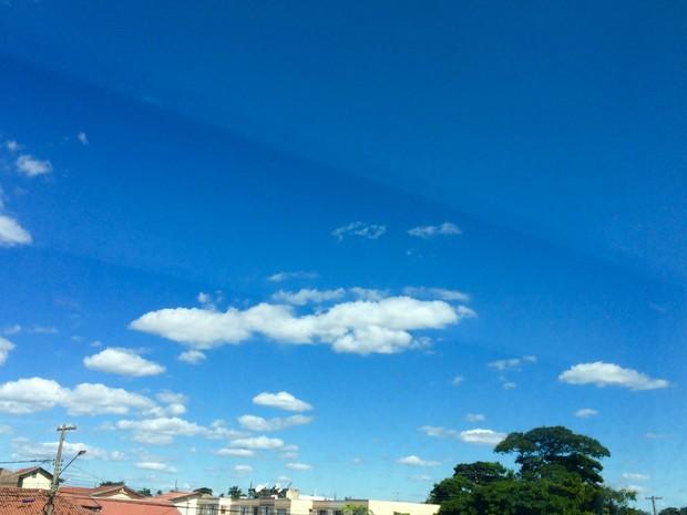 Temperaturas sobem no início do fim de semana em Campo Grande (Foto: Isabela Cavalcante/G1 MS)