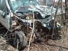 Acidente entre picape e caminhão deixa motorista ferida na MG-122