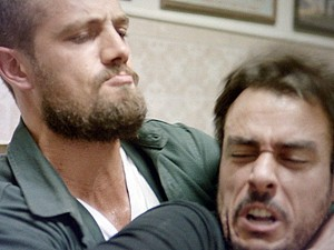 Vicente e Enrico brigam (Foto: TV Globo)