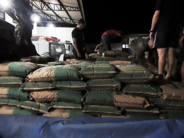 Operação apreendeu 7 toneladas de semente na fronteira de Mato Grosso (Foto: Gefron/MT)
