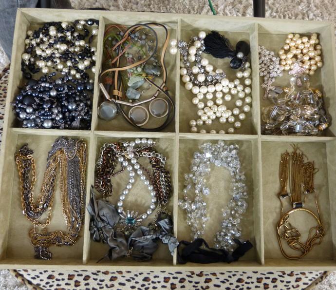 Parte da coleção dos acessórios de Carolina Ferraz (Foto: Gabriela Bispo/Gshow)