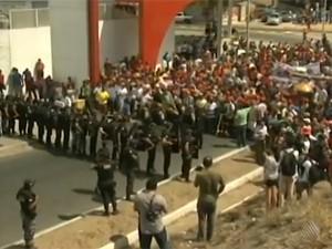 manifestação em juazeiro (Foto: Reprodução / TV Bahia)