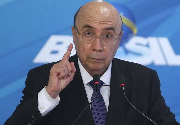 O ministro da Fazenda, Henrique Meirelles, durante anúncio da meta de inflação (Foto: Antonio Cruz/Agência Brasil)