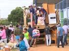 Integrantes do MST vão para acampamento (Franciele do Vale/G1)