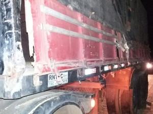 Carreta colide com outra na BR-316 em Parnamirim, PE (Foto: Divulgação / Polícia Rodoviária Federal)