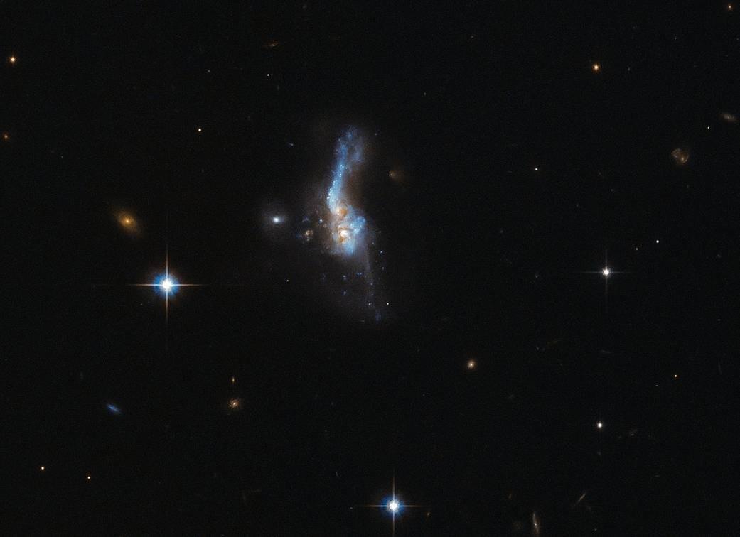O objeto celestial IRAS 14348-1447 (Foto: ESA/Hubble & NASA)